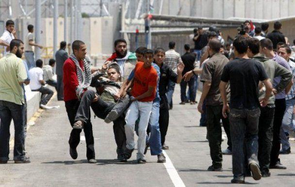 Сотни палестинцев прорвали границу с Израилем, есть жертвы
