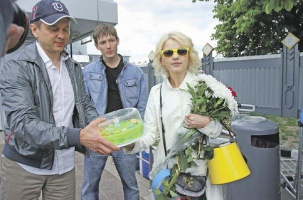"""Мика Ньютон вернулась в Украину: """"Такого от нас никто не ожидал!"""""""