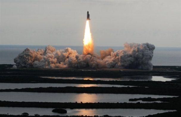 Американський шатл Endeavour відправився в останній політ на МКС