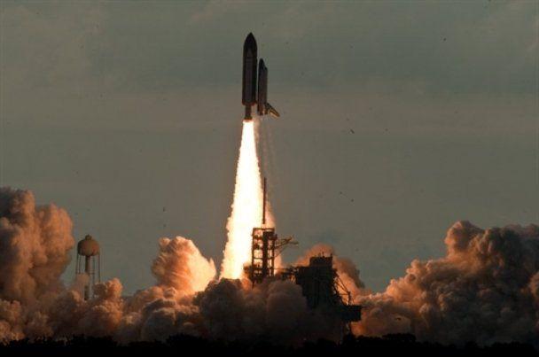 Шаттл Endeavour завершил свою последнюю космическую миссию