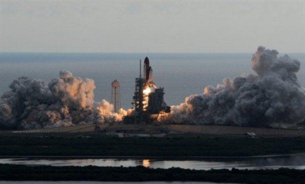 Шатл Endeavour завершив свою останню космічну місію