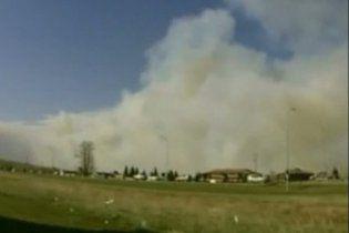Из-за пожаров в Канаде эвакуирован целый город