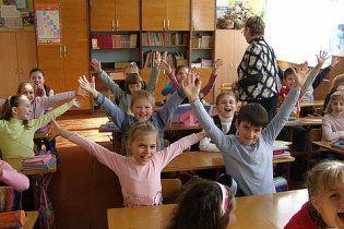 Суд дозволив закрити у Макіївці три україномовні школи