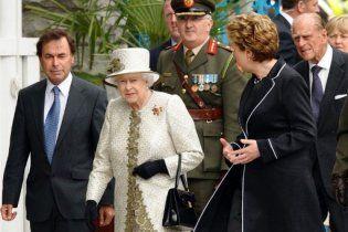 Елизавете ІІ в Ирландии подарили сперму элитного жеребца