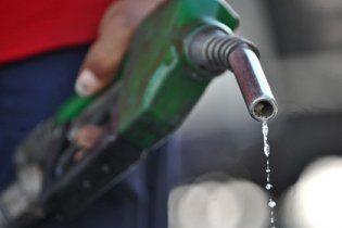Качество украинского бензина будут проверять на АЗС