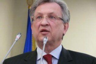 Міністр фінансів заявив, що сокира в руках Януковича вселила в нього енергію