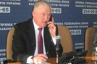 Азаров заговорив про звільнення міністра охорони здоров'я