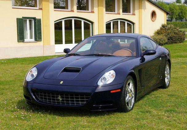У Ані Лорак з'явилася Ferrari за чверть мільйона доларів