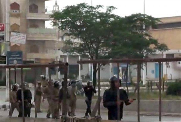 У Сирії поліція обстріляла віруючих під час молитви
