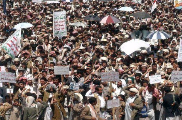 В столице Йемена начались уличные бои между силовиками и оппозицией