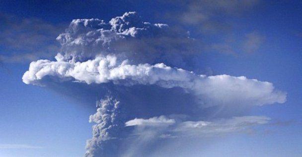 В Европе ожидают, что за ночь облако вулканического пепла рассеется
