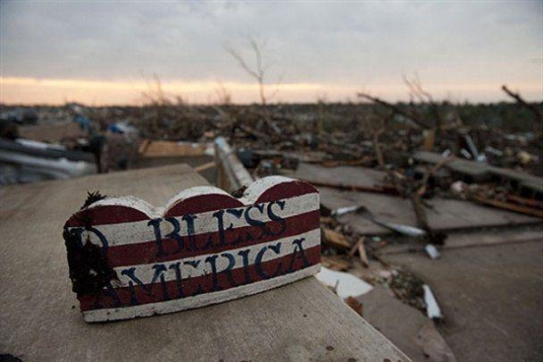 Смертельный торнадо разрушил город Джоплин в США