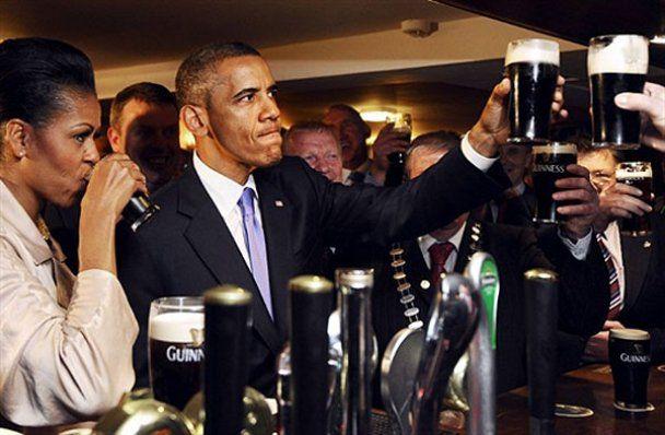 В Ирландии Барака Обаму с женой угощали пивом