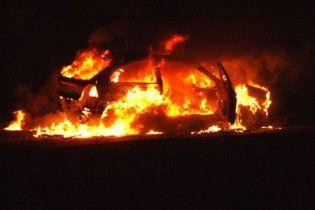 У Криму спалили Lexus депутата-регіонала