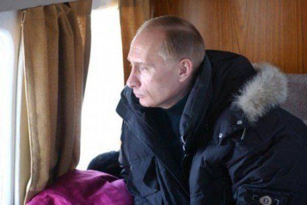 На плакатах у Санкт-Петербурзі з'явилися янголи з обличчям Путіна