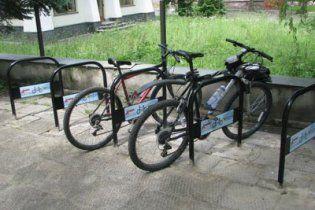 У Києві відкрилася перша велопарковка