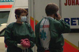 У Німеччині кількість хворих, вражених небезпечною кишковою інфекцією, наближається до тисячі
