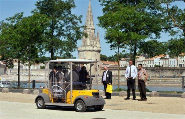 Во Франции испытали первый автобус без водителя