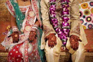 В Индии односельчане женили соседа на мужчине без его ведома