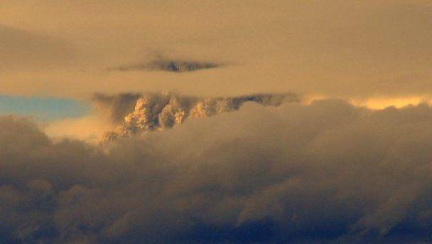 В Чили из-за извержения вулканов эвакуируют тысячи людей