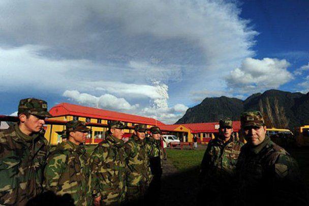 Через чилійський вулкан знову скасували десятки авіарейсів