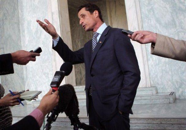 Конгрессмен США рассылал через Интернет снимки своего возбужденного пениса