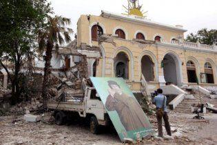 """НАТО """"поздравило"""" Каддафи с днем рождения бомбардировкой Триполи"""