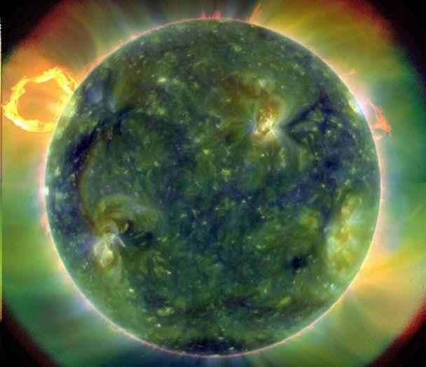 На Сонці стався потужний і неординарний за красою спалах