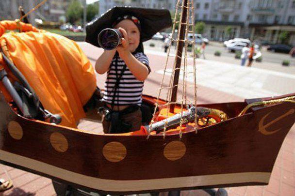 В Киеве провели фестиваль детских колясок