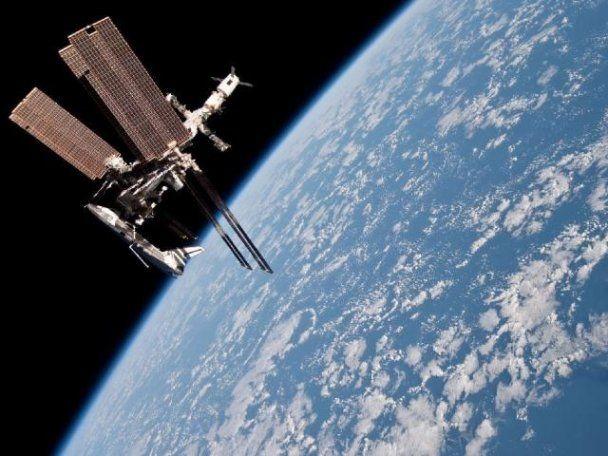 Унікальні фото космічного шатла Endeavour на орбіті
