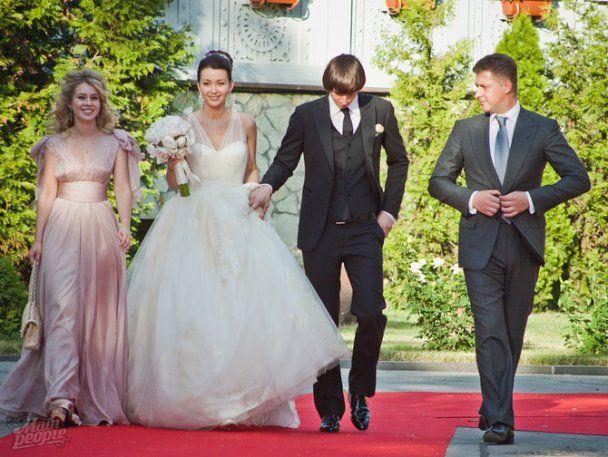 Андрей Ющенко погулял на свадьбе внучки основателя Партии регионов
