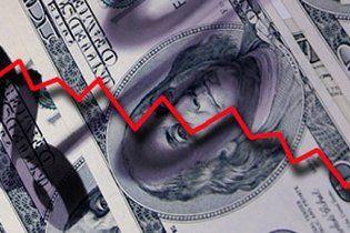 Эксперт: риск дефолта США не является причиной для изменения валютных резервов