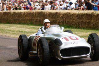 81-річний британський гонщик йде з автоспорту (відео)