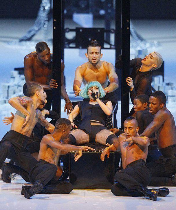 Lady GaGa позовет фанатов на свою свадьбу