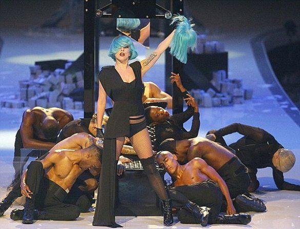 Виступ Lady GaGa на Germany Next Top Model_13