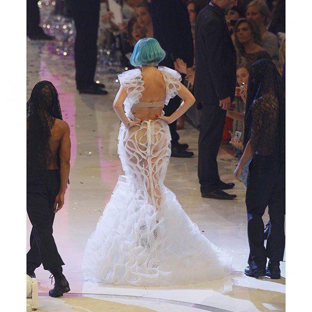 Lady GaGa 2 месяца будет носить только вещи Versace