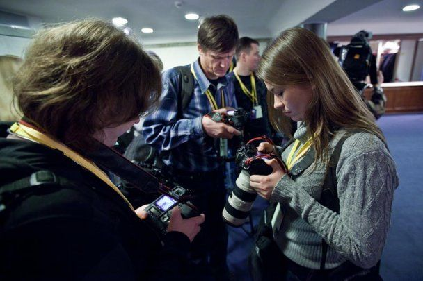 Особистим фотографом Путіна стала сексуальна брюнетка-модель
