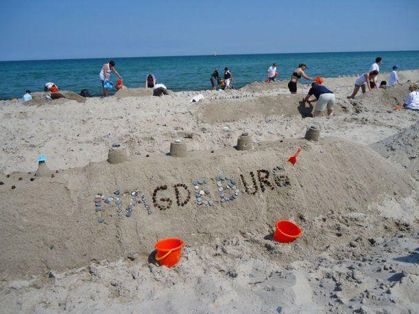 На пляже в Германии построили песчаный замок длиной 27,5 километров
