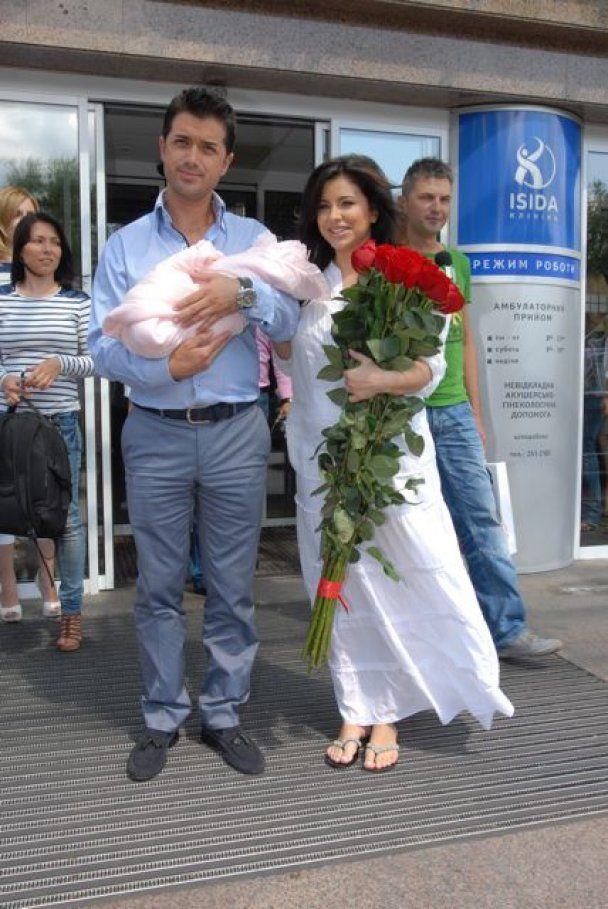 Ани Лорак отреагировала на слухи о разводе: У меня все хорошо!
