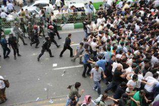 Из-за беспорядков на стадионе, сын президента Таджикистана бежал вместе с футболистами