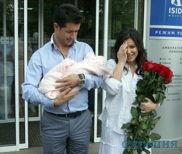 Ани Лорак впервые показала свою дочку Софию