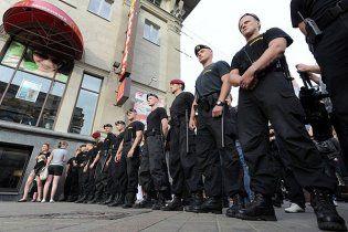 """Міліція Мінська закрила головну площу від """"мовчазної"""" опозиції"""
