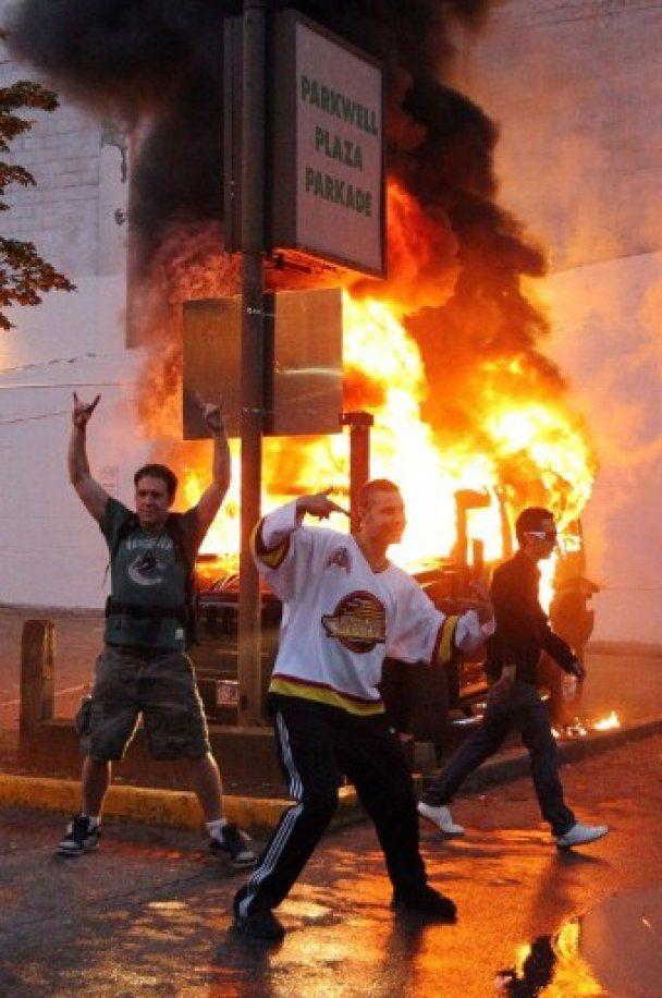 Погромы хоккейных фанатов в Ванкувере: сотни пострадавших