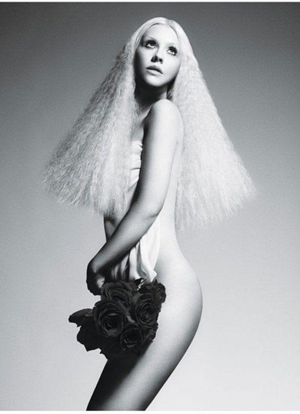 Вперше після розлучення з чоловіком Агілера знялася оголеною для журналу