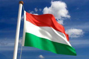 На Закарпатье заседания райсовета будут начинать с венгерского гимна