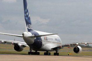 Гігантському лайнеру Airbus дозволили прилетіти в Ле Бурже