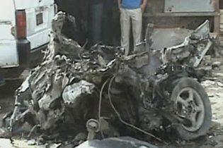 Смертники підірвали дві машини біля урядових будівель в Іраку, понад 20 жертв
