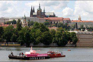 Знаменитий радянський рожевий танк повернули до Праги