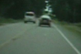 Семилетний мальчик угнал автомобиль, чтобы встретиться с отцом