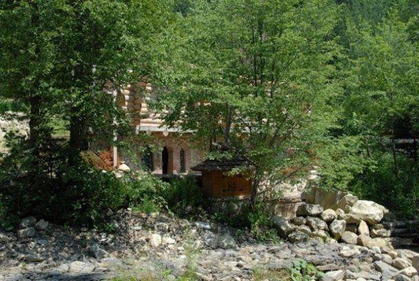 Віктор Ющенко будує собі готель в Карпатах